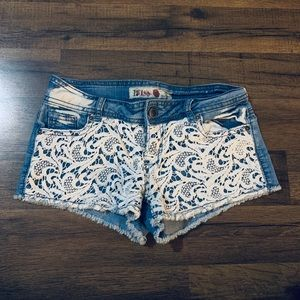 Size 3 Shorts with Lace Design 💕